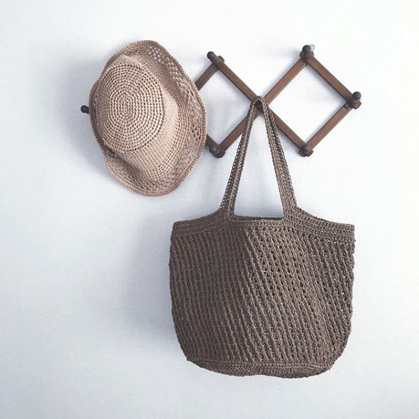 「夏のかぎ針あみこもの」斜め模様のかごバッグ