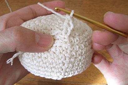 かぎ針編み ケーキ ④1つ目の長編みができたところです