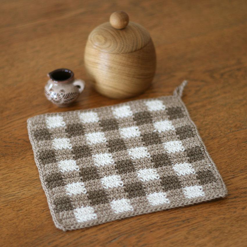 かぎ針編み ギンガムチェックのマット