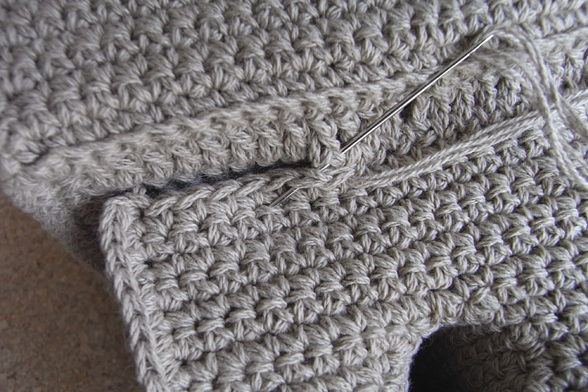 かぎ針編み 三方の縫いとめ方