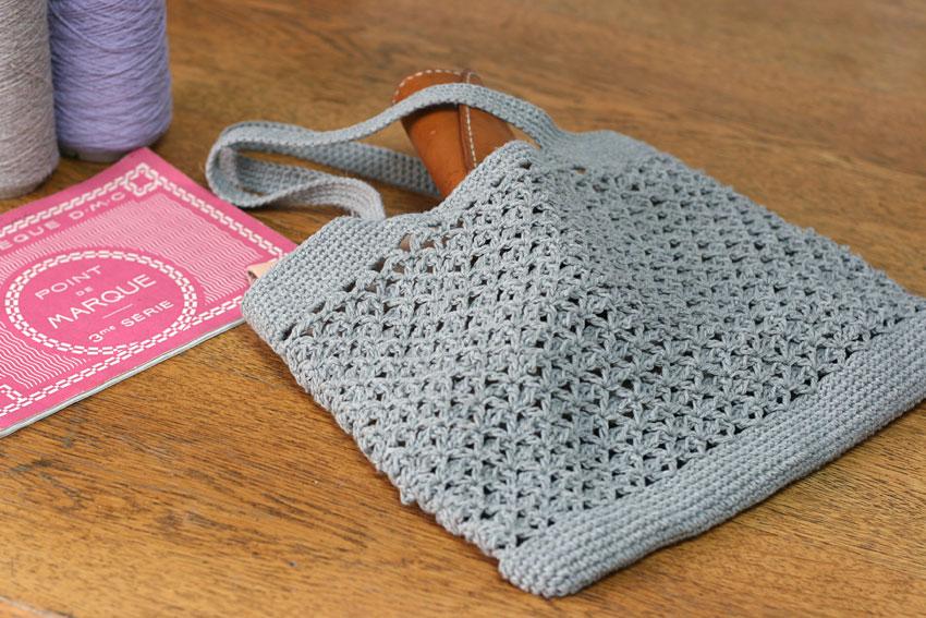 かぎ針編み ペタンコ型バッグ