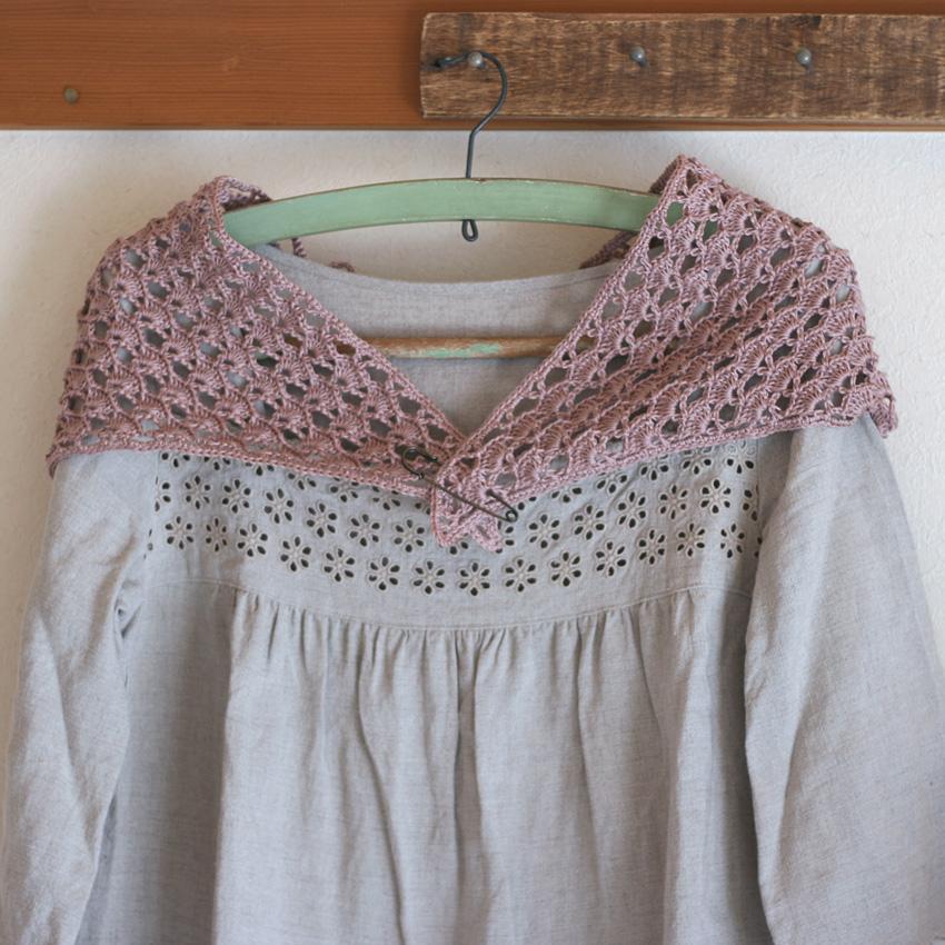 かぎ針編み 三角ストール