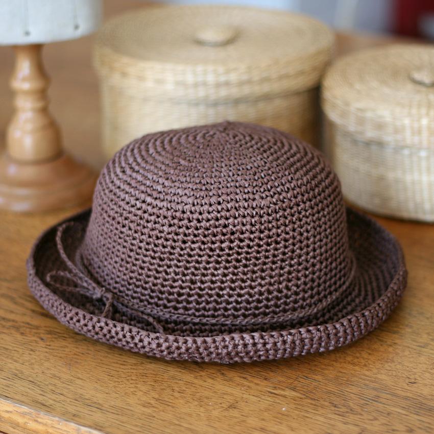 かぎ針編み こじんまりラフィア風ハット