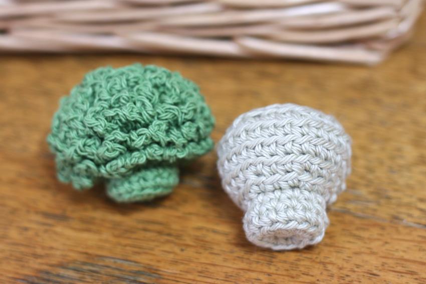 かぎ針編み くきの色が違うタイプ