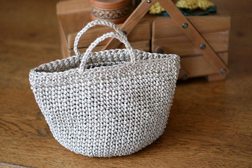 かぎ針編み シンプルなマルシェ型ポーチ