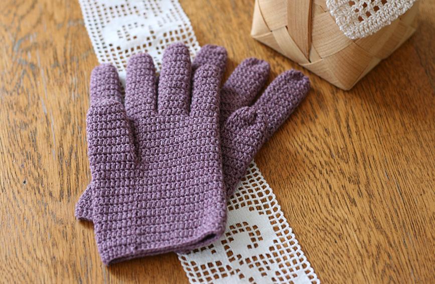 かぎ針編み 長編みの5本指手袋 親指側