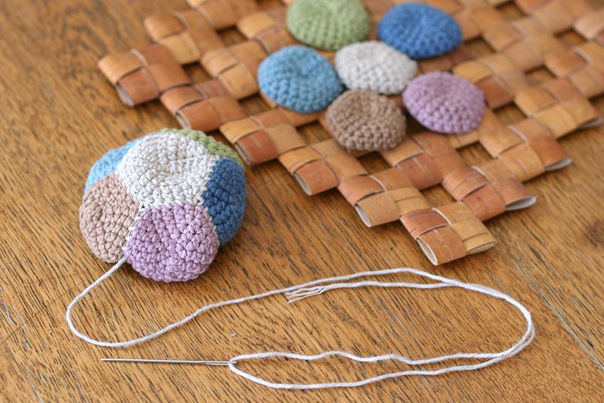 かぎ針編み 12枚はぎボールのパーツはぎ合せ