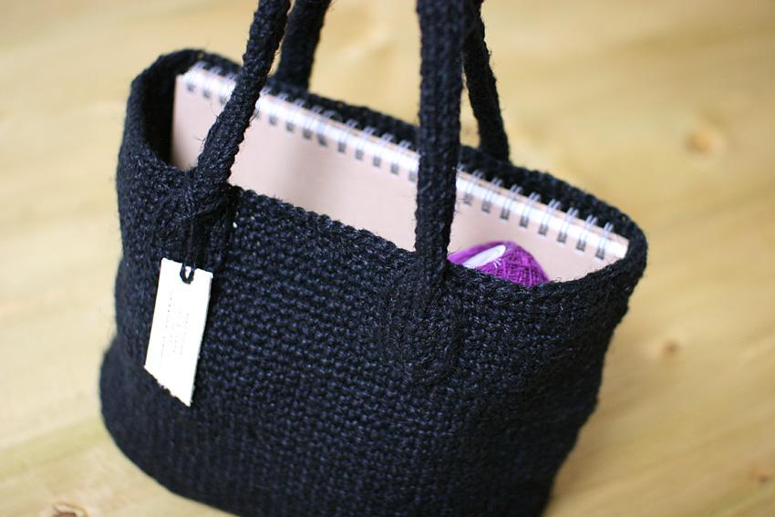 かぎ針編み バッグ 持ち手にもこだわって