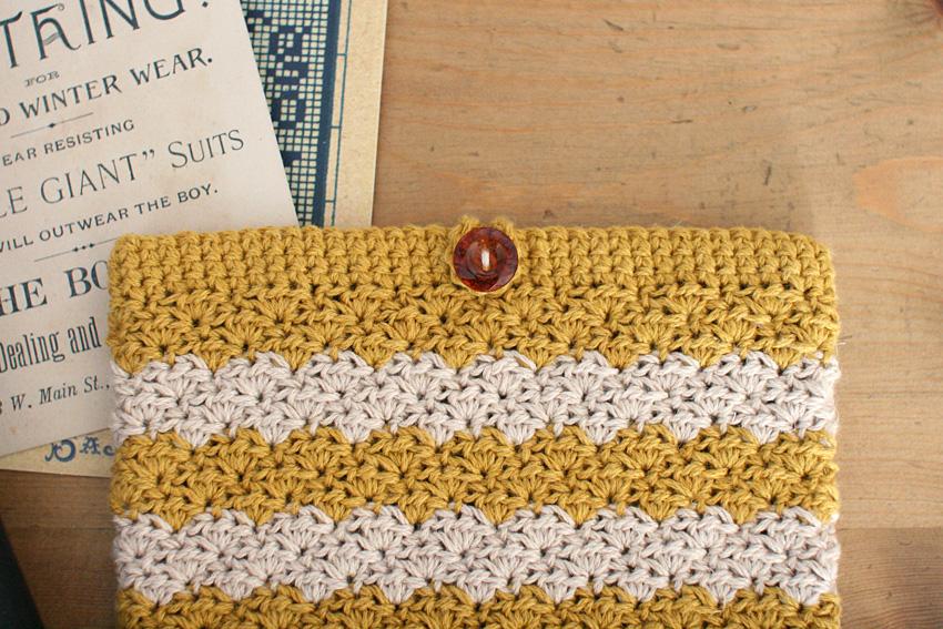 かぎ針編み レトロなポーチ_ボタン付近