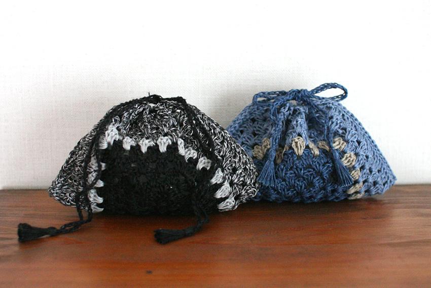 かぎ針編み モチーフの色を変えて楽しめる巾着袋
