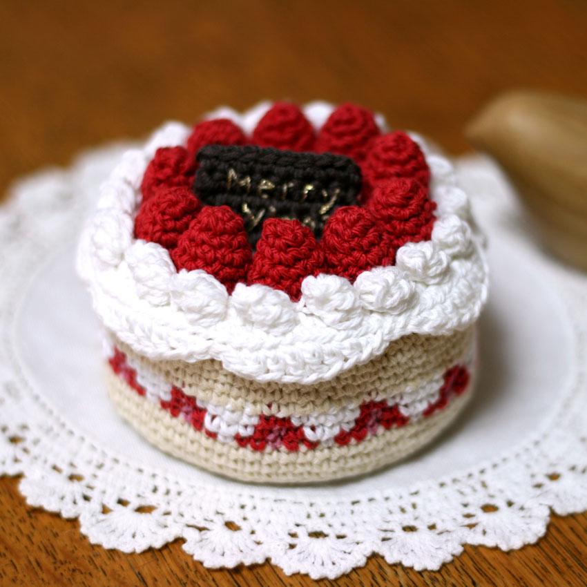 かぎ針編み ケーキ小箱なので、小物入れにできます