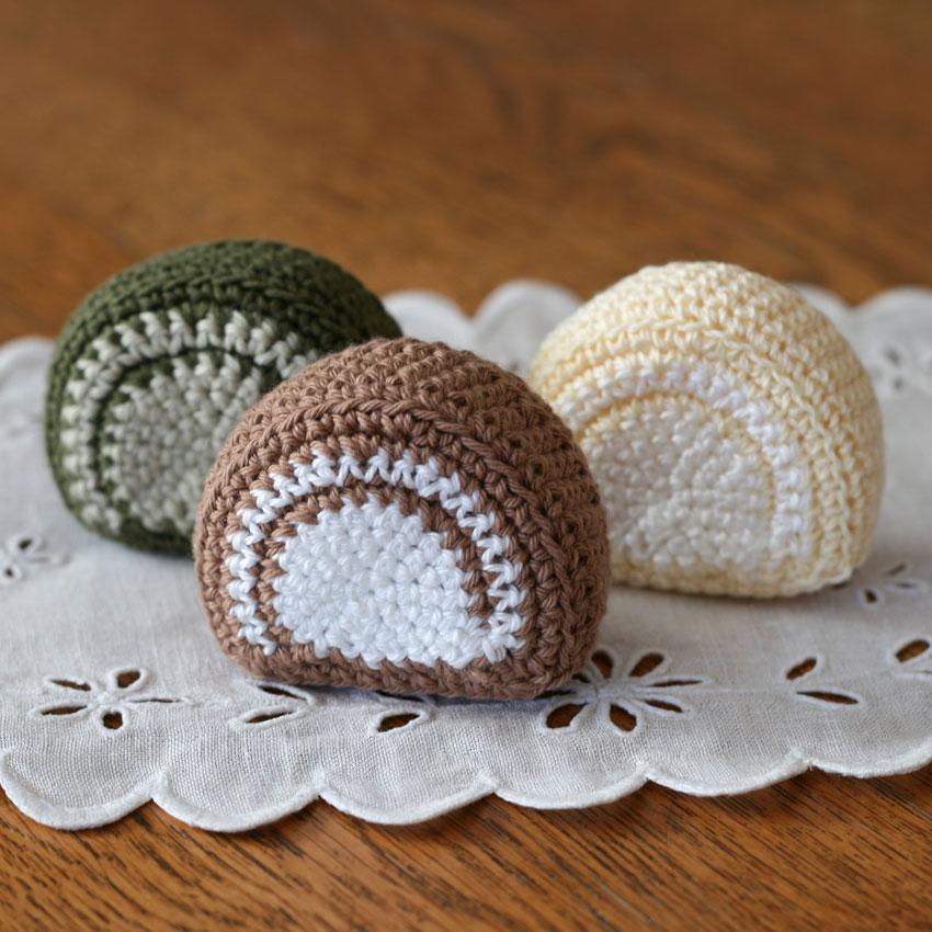 かぎ針編み クロッシェ・パティシエのロールケーキ