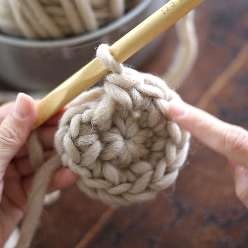 かぎ針編み 「こま編みのわ編み」の編み方