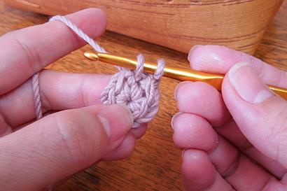 かぎ針編み わ編み [28]糸を引き出したところ