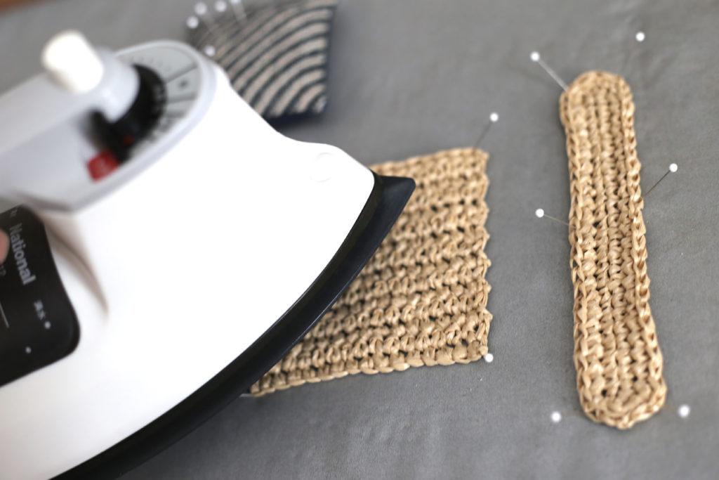かぎ針編み 浮かせてスチームアイロンをかけます