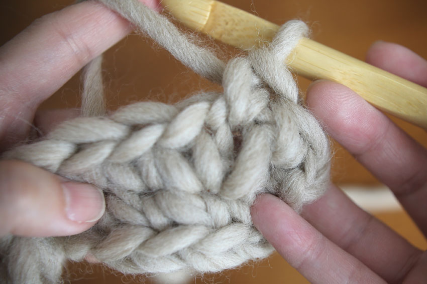 かぎ針編み こま編み1目が編めました