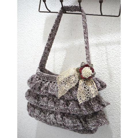 編み物屋さん[ゆとまゆ]さんの「フリルのミニ・ポーチ」かぎ針編み 作品