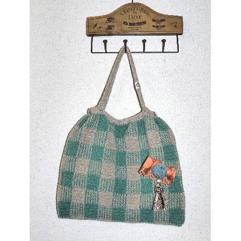 編み物屋さん[ゆとまゆ]さんの「ギンガムチェックのギャザーバッグ」