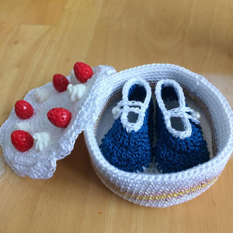 かぎ針編み さっちぃさんの「クロッシェ・パティシエのケーキ小箱」
