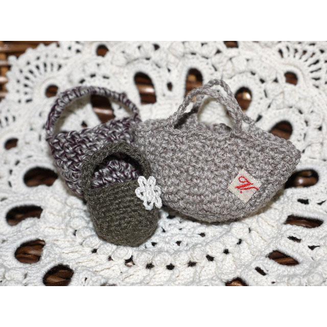 編み物屋さん[ゆとまゆ]さんの「小さな小さなバッグたち」