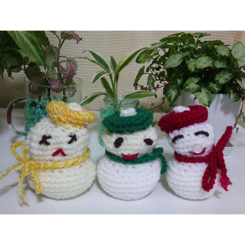 かぎ針編み 紅葉さんの「ベレー帽の雪だるま」