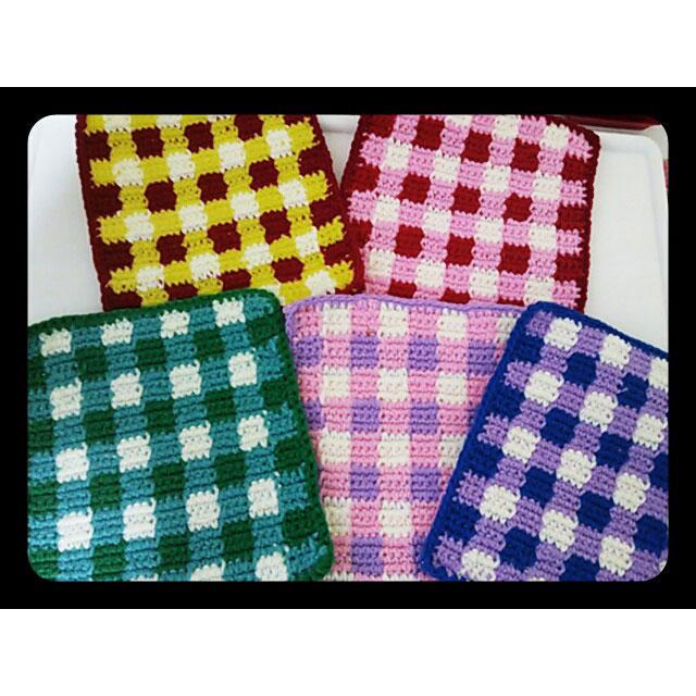かぎ針編み 紅葉さんの「ギンガムチェックのマット」