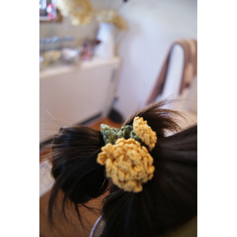 かぎ針編み hiro*さんの「たんぽぽのヘアゴム」