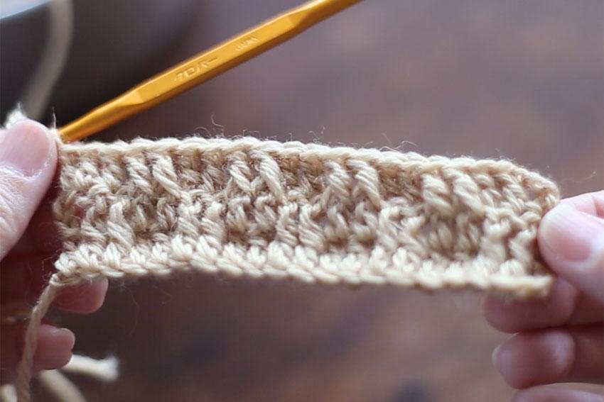 かぎ針編み 3段目を「表引き上げ編み」で編みました