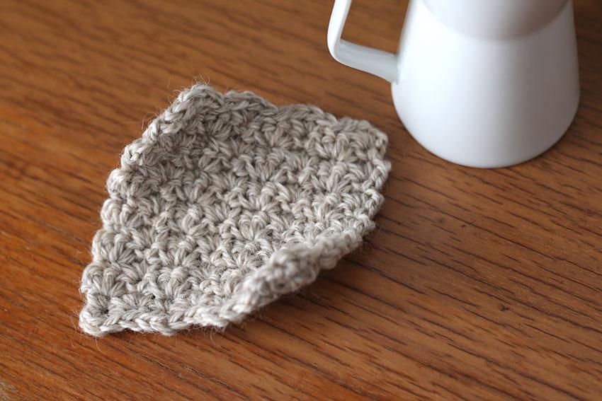 かぎ針編み 往復編みのコースター アイロン前