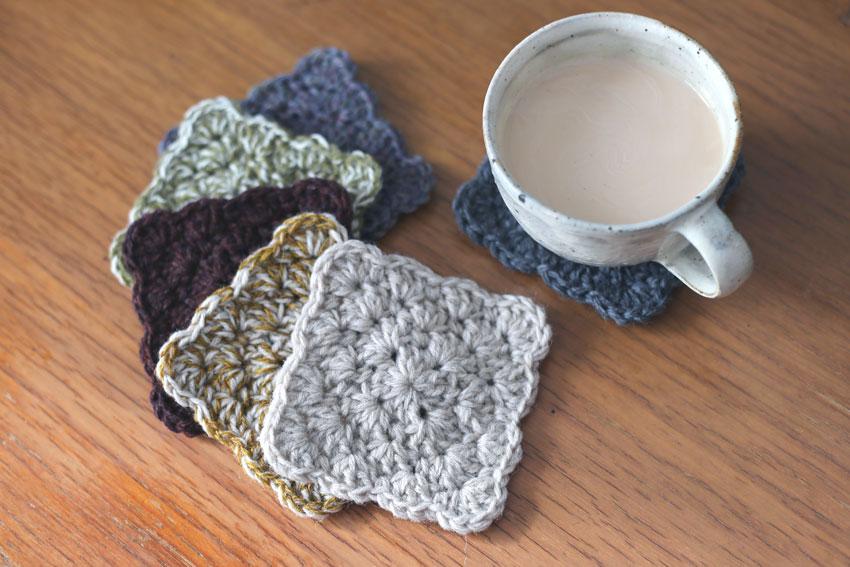 かぎ針編み わ編みのコースター お茶タイム