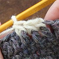 こま編み表引き上げ編み[6] 3目編むとこのようになります。