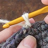 バックこま編み[3] 糸を引き出しました。