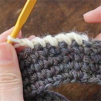ねじりこま編み[8] 5目編むとこのようになります。