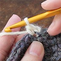 ピコット編み[1] ピコットの土台になるこま編みを編みます。