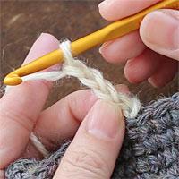 ピコット編み[2] くさりを3目編みます。