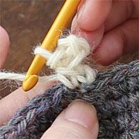 ピコット編み[7] 引き抜き編みが完成し、ピコットが1つ編めました。