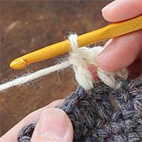 長編み2目編み入れる[2] 長編みが1目編めました。