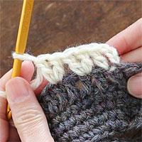 長編み2目編み入れる[4] 長編み2目編み入れる模様を3つ編むとこうなります。