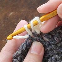 長編み2目一度[3] 糸を引き出しました。