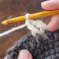 長編み表引き上げ編み[6] 長編み表引き上げ編みが1目編めました。