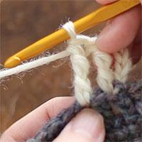 長々編み2目編み入れる[3] 長々編みが1目編めました。
