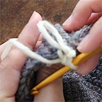 リング編み[7] 編み地の裏側に、このようにリングができます。