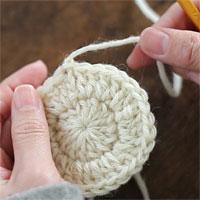 ループにくぐらせて引き締める[8] 編み終わりの処理ができました。
