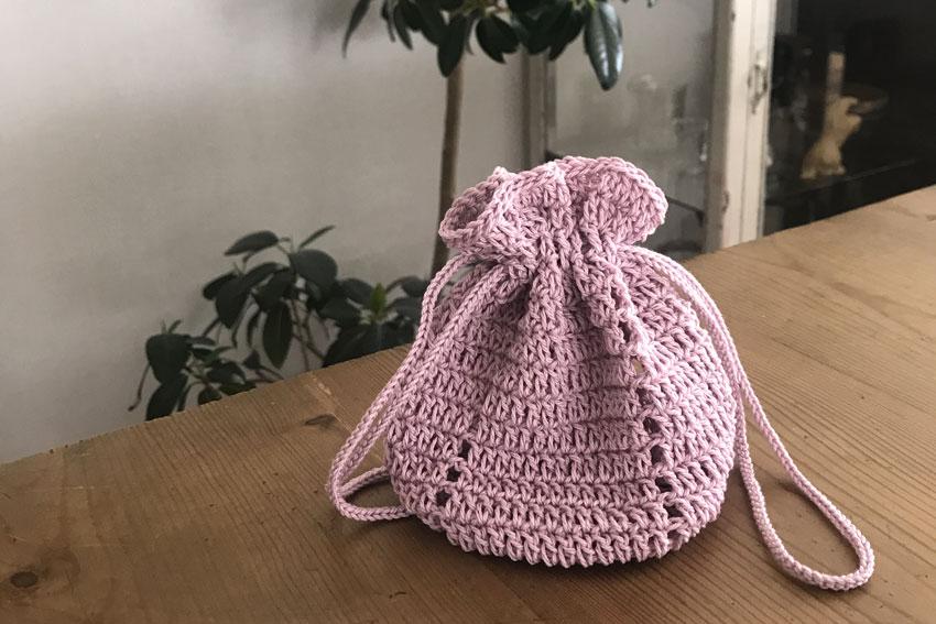かぎ針編み 巾着ポーチ 小さいサイズ